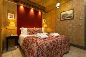 Une nuit en Chambre Luxe au Château de Candie image 2