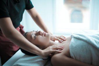 Massage en duo 90 minutes image 1
