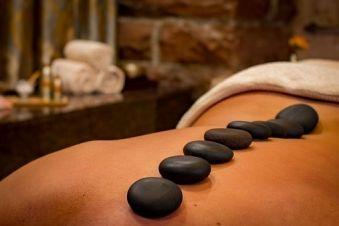 Massage aux pierres chaudes (1h30) image 1