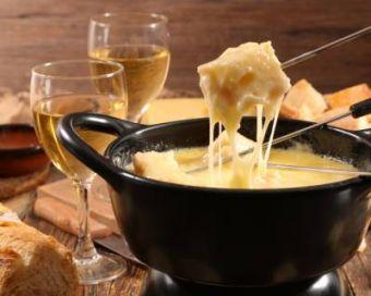 Nuit d'été Gourmande,  fondue savoyarde et petit-déjeuner. Produits locaux et bio image 1