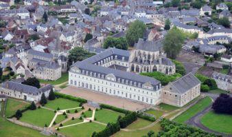 Survol des châteaux de la Loire en avion image 3