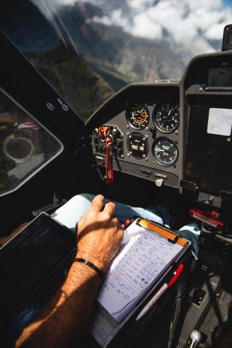 Balade aérienne à la découverte des Pyrénnées au départ de Toulouse image 2