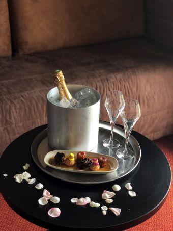 Escapade romantique à l'hôtel Beauregard image 1