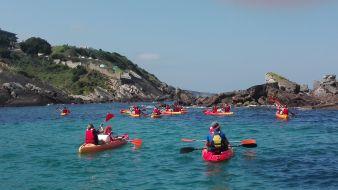 """Randonnée Journée dans les """" calanques """" Basques en kayak ou en paddle. Enfant. image 3"""