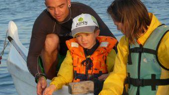 Soirée et initiation pêche aux chipirons en pirogue à St Jean de Luz. Enfant. image 4