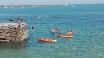 Balade de 2h en pirogue Hawaïenne ou kayak de mer. Enfant. image 1