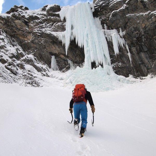 Sortie cascade de glace dans les Aravis image 2