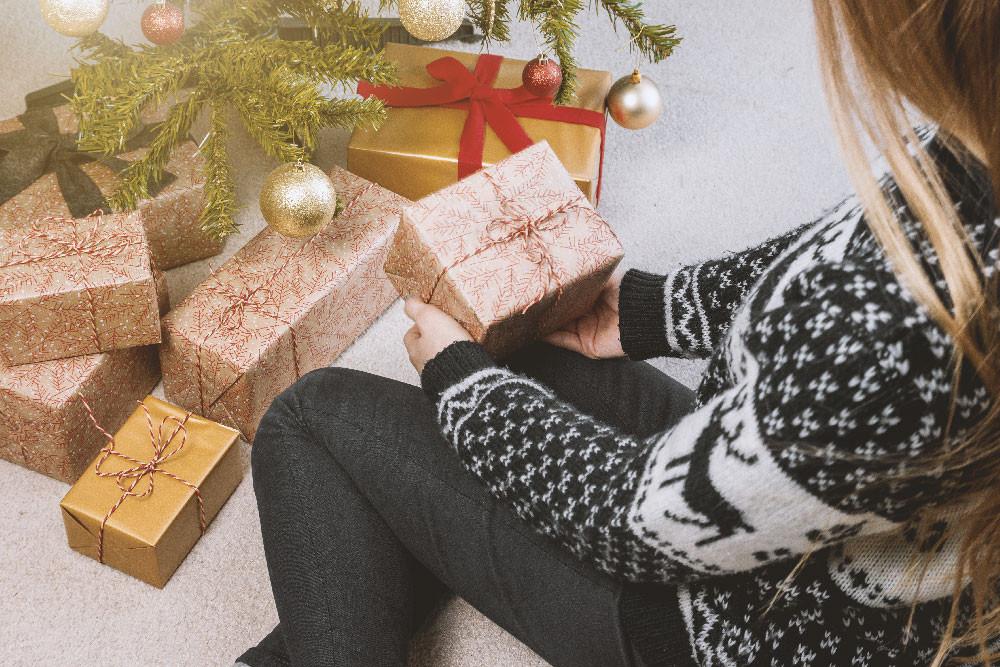 Comment trouver une idée cadeau de Noël original pour femme ?